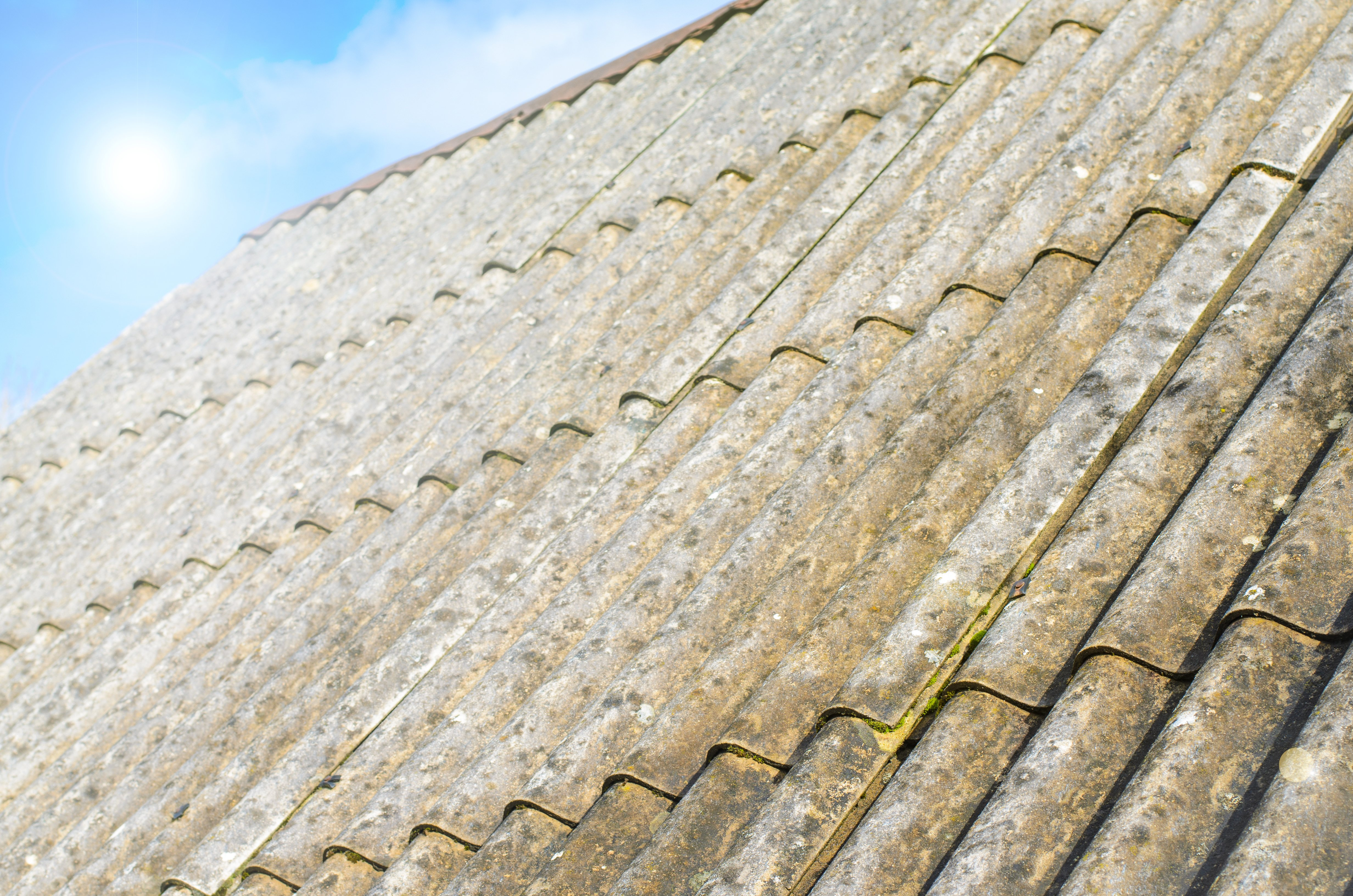 asbestos-roof-with-sky