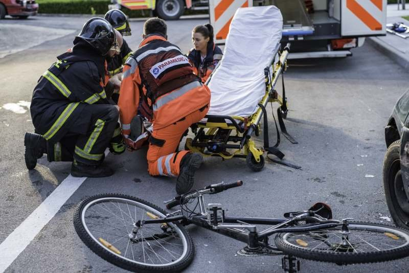 cyclist-accident-paramedics