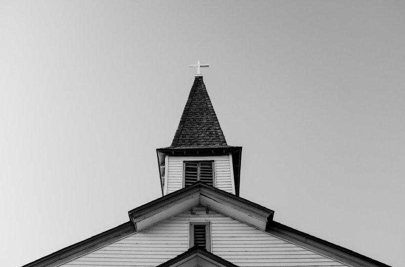 church-black-white