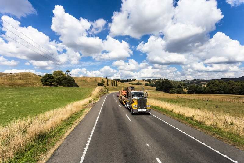 truck-on-sunny-road
