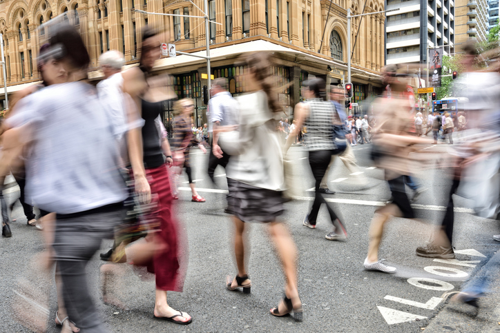 People crowd crossing street in central Sydney | Shine Lawyers